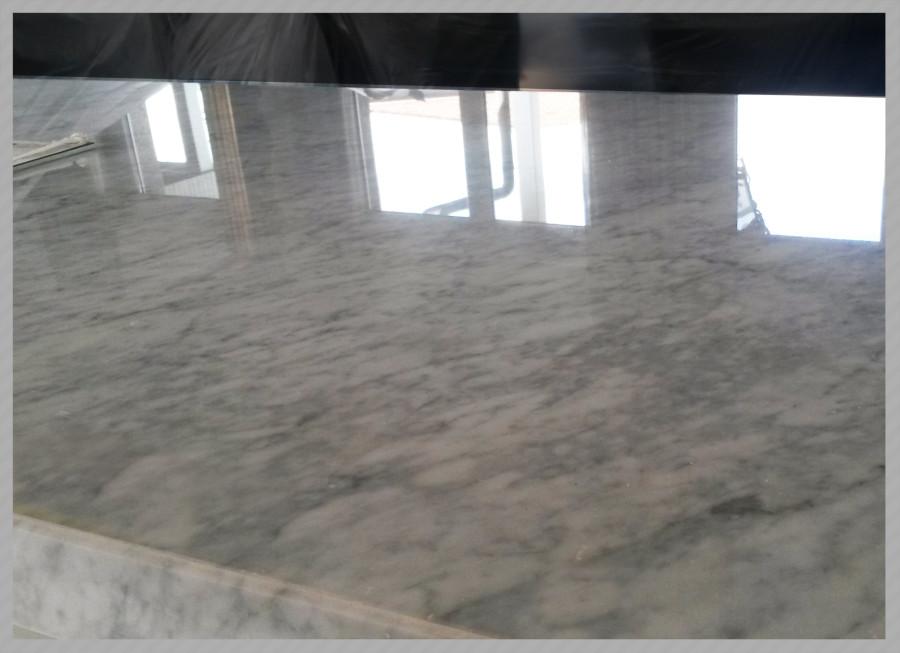 Lucidatura marmo restauro marmo e granito c f pavimenti - Marmo piano cucina ...